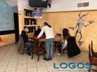 Arconate - Mario durante il servizio ai tavoli