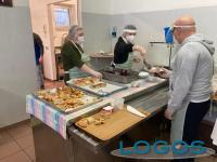 Legnano / Sociale - Alcuni volontari della Casa della Carità