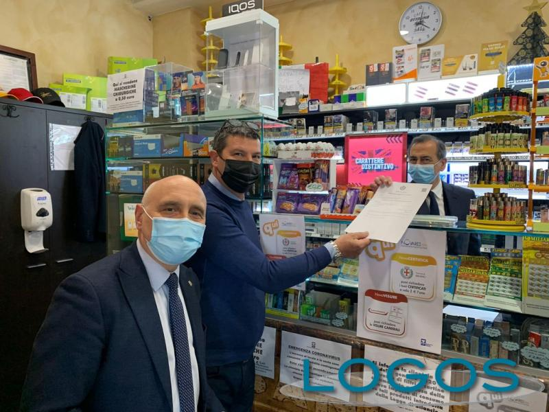 Milano - Certificati comunali in tabaccheria