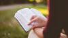 Attualità - Leggere un libro (Foto internet)