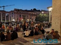 Milano - Gente a San Lorenzo il 24 aprile 2021