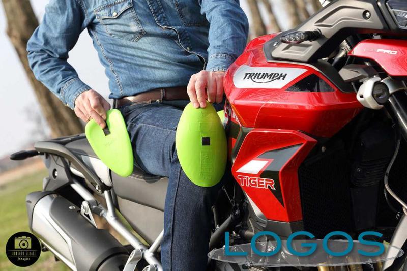 Motori - Jeans in moto (Foto Roberto Serati)