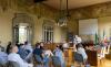 Castano - I cittadini in sala consiliare durante il momento di confronto