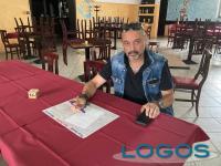 Arconate / Commercio - Mario, il titolare de 'Il New Coyote Pub'