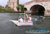 Turbigo - La terza 'Carton Boat Race' (Foto Gianni Mazzenga)