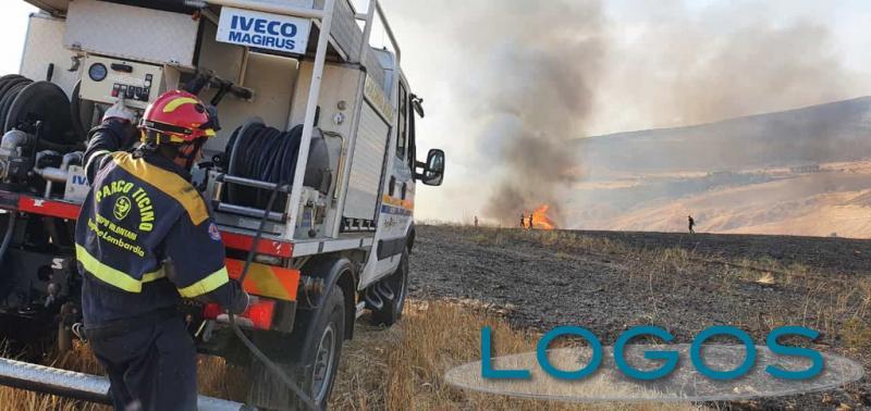 Turbigo - Volontari contro gli incendi in Sicilia
