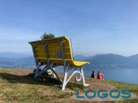 Territorio - La maxi panchina sul lago Maggiore