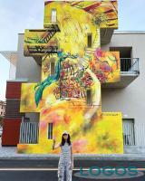 Corbetta - L'artista e il murales a Corbetta