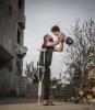 Attualità - Padre e figlio, mutilati, in Siria che sorridono